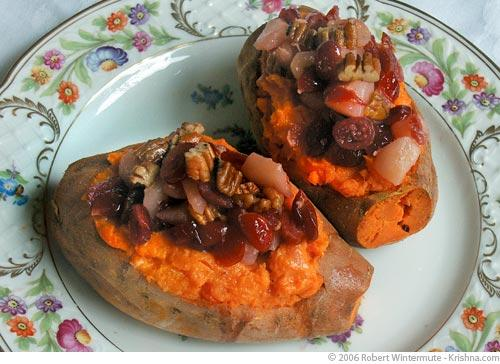 Baked Sweet Potatoes Stuffed with Cranberries, Pears, and Pecans ...