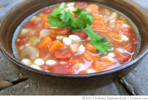 Greek-Style White Bean and Vegetable Soup