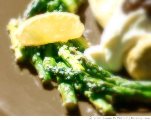 Sesame Lemon Asparagus